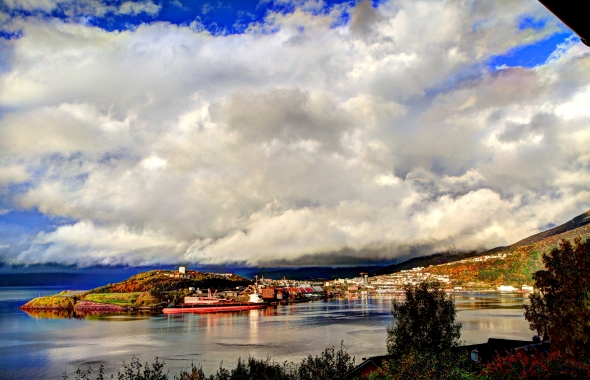 5-photo HDR-composite of Narvik today.