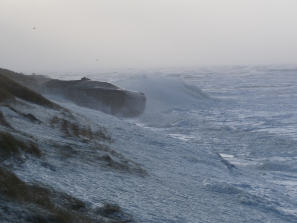 The violent storm reached the beaches of Western-Denmark on Friday the 9th of December. Photo: Ole Hejgaard