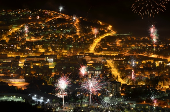 Center of the City Narvik - Fireworks New Years Eve 2011/2012 (photo: Bente Hjellsand)