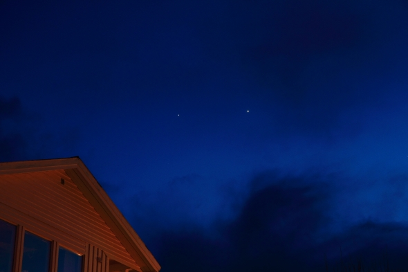 Conjuntion - Planets Mercury (left) and Venus (right) - shot tonight 6:43 pm - Ankenesstrand, Norway