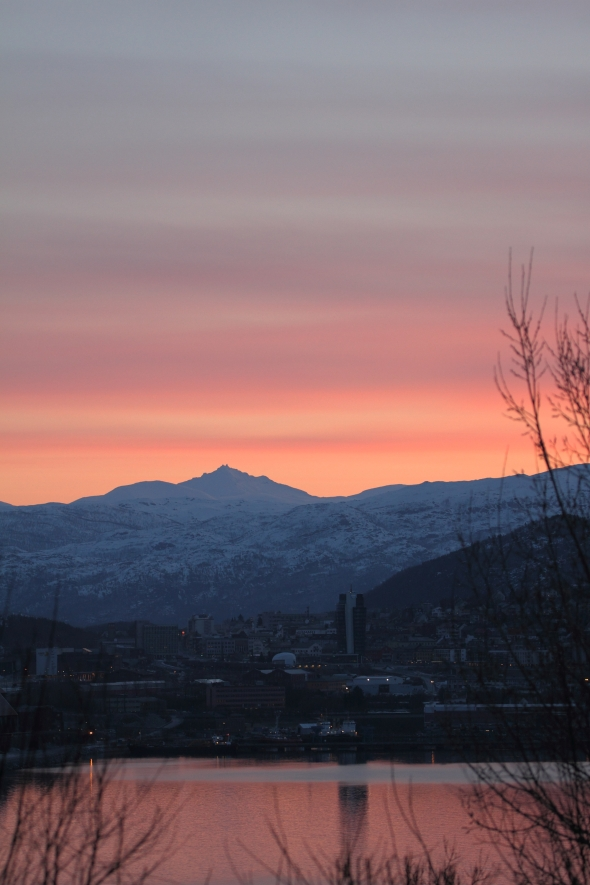 Very Early Pastel Sky - The Midnight Sun Periode is aproaching Narvik