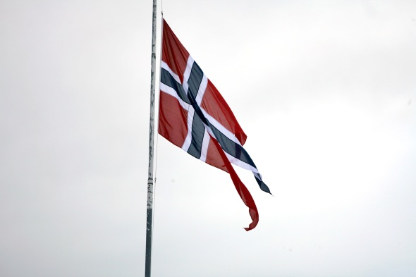 The Norwegian flag flying on half mast at Evenes Airstation, in connection with the memorial service for the norwegian Hercules crew that crashed in Kebnekaise