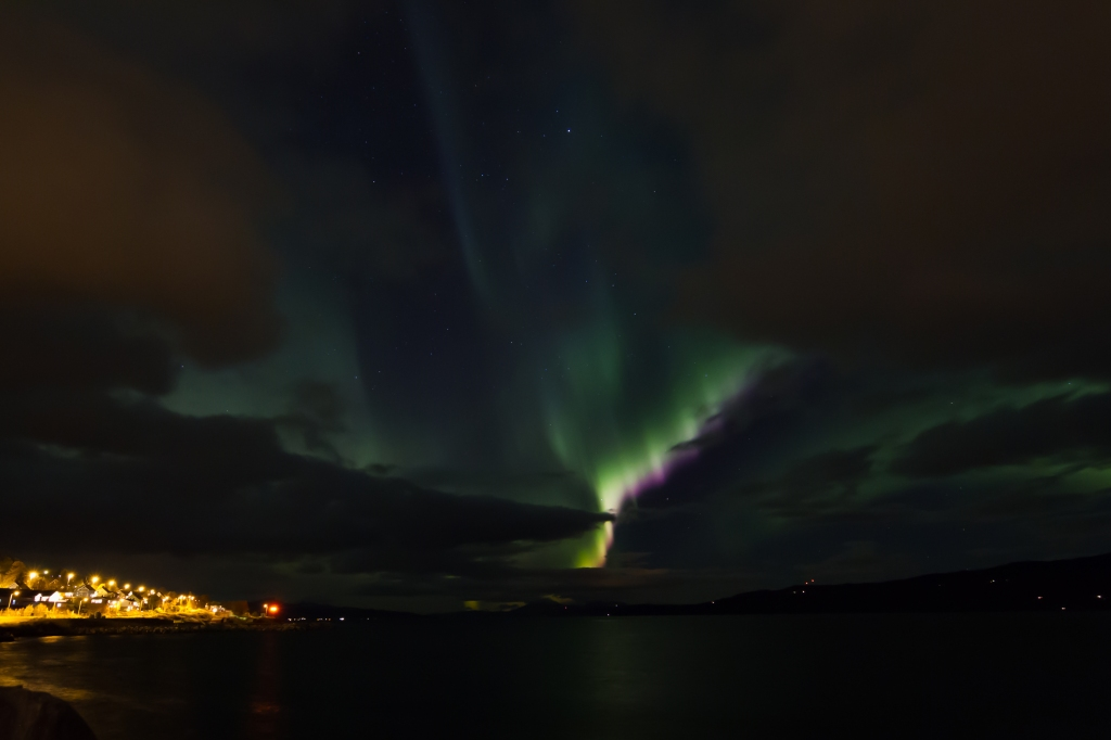 Strong Auroral Activity is seen in between the Clouds last night.