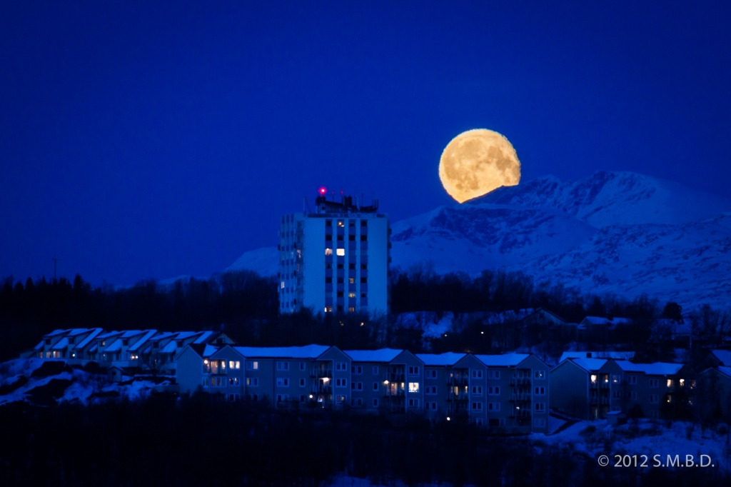 Moon over Narvik